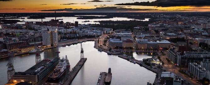 Helsinki al atardecer, Finlandia